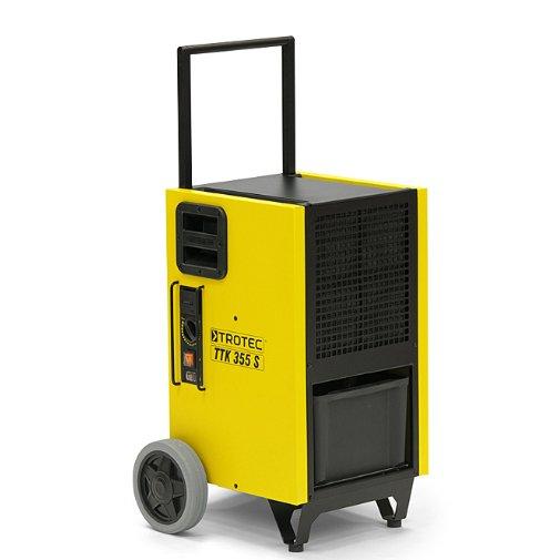 Осушитель воздуха TROTEC TTK 355 S70 литров<br>Многие промышленные объекты нуждаются в тщательном поддержании определенного влажностного уровня. Решить эту задачу поможет TROTEC TTK 355 S &amp;ndash; профессиональный воздухоосушитель от известного немецкого бренда. Компактный, надежный и функциональный, агрегат отличается максимальным удобством его использования, а также высокой степенью эффективности работы.<br>Особенности и преимущества профессиональных установок для осушки воздуха TROTEC серии TTK-S:<br><br>Оптимально подходят для сушки воздуха для сменяемых мест эксплуатации даже в суровых условиях.<br>Разработка, дизайн, изготовление: 100 % Trotec.<br>Герметичная конструкция надежно защищает электронные приборы установки от вредных отложений.<br>Два паза осуществляют надежную и компактную укладку равных по размеру приборов TTK-S.<br>Высокая мощность осушки даже при низких температурах.<br>Максимальная защита различных электронных приборов от пыли и влаги.<br>Простая в обслуживании модель.<br>Оптимальные погрузочно-разгрузочные свойства.<br>Благодаря поршневому компрессору легко транспортируется в любом положении.<br>Отлично подходит для надежного и компактного хранения, транспортировки.<br>Компактная установка в комбинации с моделями равного размера.<br>Практичный немецкий дизайн &amp;ndash; безопасная промышленная модель.<br>Обладают отличной компактностью.<br><br>Опциональная комплектация:<br><br>Конденсатный насос, максимальная высота подачи 4 м.<br>Защитный колпачок.<br><br>Мощные и экономичные осушители воздуха серии TTK-S от торговой марки TROTEC выполнены в функциональном компактном дизайне и отлично подходят для решения даже сложных задач в экстремальных условиях. Среди преимуществ также стоит выделить легкий доступ к ключевым элементам агрегатов и простоту сервисного обслуживания. Все приборы серии оснащены передовой системой терморегуляции, что гарантирует эффективную работу.&amp;nbsp;<br><br>Страна: Германия<br>Производитель: Германия<br>Осушение л\с