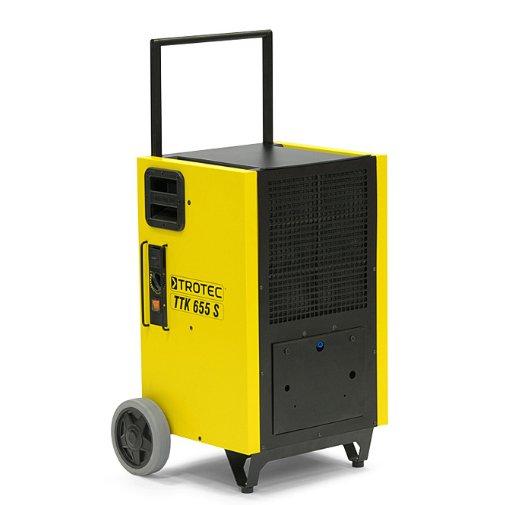 Осушитель воздуха TROTEC TTK 655 S&gt; 100 литров<br>TROTEC TTK 655 S представляет собой компактный воздухоосушитель, предназначенный для использования в промышленных масштабах. Компания-производитель снабдила агрегат простым управлением, эргономичным дизайном и первоклассными комплектующими. Осушитель воздуха данной модели рассчитан на производительность до ста двадцати пяти литров в сутки.<br>Особенности и преимущества профессиональных установок для осушки воздуха TROTEC серии TTK-S:<br><br>Оптимально подходят для сушки воздуха для сменяемых мест эксплуатации даже в суровых условиях.<br>Разработка, дизайн, изготовление: 100 % Trotec.<br>Герметичная конструкция надежно защищает электронные приборы установки от вредных отложений.<br>Два паза осуществляют надежную и компактную укладку равных по размеру приборов TTK-S.<br>Высокая мощность осушки даже при низких температурах.<br>Максимальная защита различных электронных приборов от пыли и влаги.<br>Простая в обслуживании модель.<br>Оптимальные погрузочно-разгрузочные свойства.<br>Благодаря поршневому компрессору легко транспортируется в любом положении.<br>Отлично подходит для надежного и компактного хранения, транспортировки.<br>Компактная установка в комбинации с моделями равного размера.<br>Практичный немецкий дизайн &amp;ndash; безопасная промышленная модель.<br>Обладают отличной компактностью.<br><br>Опциональная комплектация:<br><br>Конденсатный насос, максимальная высота подачи 4 м.<br>Защитный колпачок.<br><br>Мощные и экономичные осушители воздуха серии TTK-S от торговой марки TROTEC выполнены в функциональном компактном дизайне и отлично подходят для решения даже сложных задач в экстремальных условиях. Среди преимуществ также стоит выделить легкий доступ к ключевым элементам агрегатов и простоту сервисного обслуживания. Все приборы серии оснащены передовой системой терморегуляции, что гарантирует эффективную работу.&amp;nbsp;<br><br>Страна: Германия<br>Производитель: Германия<br>Осушение л\сутки: 150<br>Произ