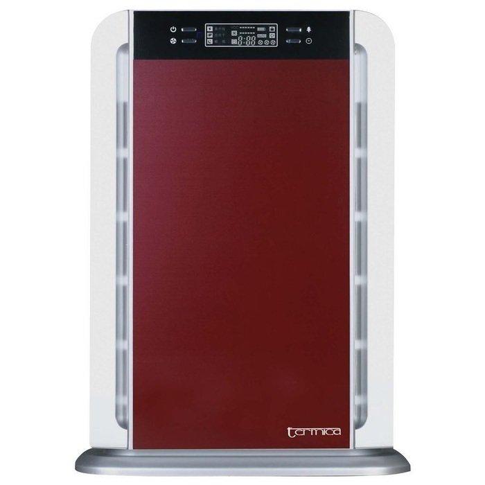 Очиститель воздуха Termica AP-300 TCCо сменными фильтрами<br>Termica AP-300 TC   прибор для высокоэффективной очистки воздуха от компании Termica для помещений площадью до 50 кв.м. В данном приборе производитель собрал все самые современные технологии очистки воздуха   кроме фильтров, воздух очищается в плазменном генераторе, обеззараживается под ультрафиолетовой лампой. Данный воздухоочиститель может также использоваться в помещениях, в которых много курят   угольный фильтр эффективно справляется с неприятными запахами.<br>Особенности оборудования для очистки воздуха Termica AP-300 TC:<br><br>Воздухоочиститель с многосупенчатой системой фильтрации;<br>Удобное управление прибором   с панели управления или с пульта ДУ;<br>Удаление неприятных запахов   угольный фильтр, как одна из ступеней фильтрации воздуха;<br>Антибактериальный НЕРА фильтр   высокая степень очистки воздуха;<br>Очиститель оснащен ионизатором, УФ-лампой и фотокаталитическим фильтром;<br>Воздух очищается в плазменном генераторе;<br>Производительность очистителя регулируется;<br>Предусмотрен автоматический режим работы;<br>Наличие индикатора загрязненности воздуха;<br>12-и часовой таймер;<br>Для защиты от детей (сбоя настроек) предусмотрена блокировка кнопок;<br>Невысокая потребляемая мощность и низкий уровень шума при работе.<br><br>Улучшить качество воздуха в квартире, жилом доме, офисе или в любом другом помещении позволяют специальные бытовые приборы   воздухоочистители. Оборудование представленной компанией Termica серии AP-300 TC   это воздухоочиститель, имеющий несколько высокоэффективных фильтров   это и НЕРА фильтр (эффективность 99,97%), фотокаталитический фильтр, плазменный генератор. Помимо очистки воздуха в вышеперечисленных фильтрах воздух в приборе ионизируется и обеззараживается под ультрафиолетовой лампой (диапазон 365 нм). Такая многоступенчатая очистка позволяет быть уверенным в чистоте воздуха   в приборе собраны почти все современных технологии, используемые для очищения воздуха не 