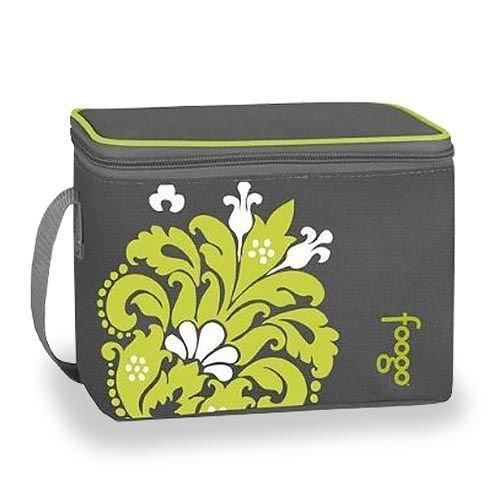 Сумка-холодильник Thermos BENTO TOTE - VALENCIAСумки-холодильники<br>Детская сумка-термос Thermos BENTO TOTE - VALENCIA позволяет комфортно путешествовать с маленьким ребенком и вмещает в себя одновременно четыре бутылочки. Представленная сумка оснащена дополнительным набором карманов для хранения различных мелочей; эргономичная форма и ремень обеспечивают удобство транспортировки аксессуара. Сумка исполнена из экологичных материалов.<br>Особенности и преимущества сумок-термосов представленной серии от компании Thermos:<br><br>Изолирующий слой Isotec от Thermos позволяет сохранять свежесть и температуру продуктов.<br>Внешняя ткань из нейлона устойчива к загрязнениям и легка в уходе, внутренняя поверхность гигиенична и непромокаема.<br>Застежка молния создает необходимые условия для изоляции.<br>Прочные ручки по длине оптимальны для переноски на плече<br>Устойчивое дно сумки выполнено из материала, защищающего от пачкающих поверхностей.<br>Удобная молния для быстрого доступа.<br>Дополнительный внешний карман для аксессуаров.<br><br>Торговая марка Thermos представила российскому рынку удобные и функциональные сумки-термосы, которые станут отличным приобретением для тех, кто любит пикники или долгие прогулки, а также вынужден долгое время проводить в дороге. Сумка-термос прекрасно сохраняет температуру напитков и блюд, а если использовать аккумуляторы холода, то такой аксессуар сможет целые сутки работать в качестве портативного холодильника. Семейство сумок-термосов от бренда Thermos весьма разнообразно: на страницах нашего онлайн-каталога посетители найдут изделия не только различных цветовых решений, но также и конструкций, и объемов.<br><br>Страна: Великобритания<br>Объем, л: 4 бутылочки<br>Мощность, Вт: None<br>Питание, В: Нет<br>Темп. max, С: None<br>Темп. min, С: None<br>Габариты ВxШxД, мм: 155x195x120<br>Вес, кг: 1<br>Гарантия: 6 месяцев<br>Кабель питания: Нет<br>Назначение: Сумкатермос