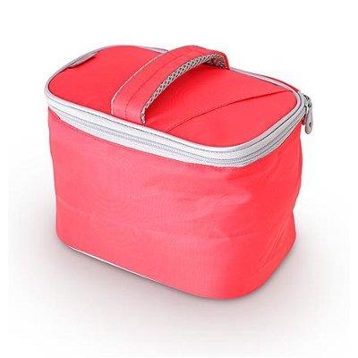 Сумка-термос Thermos Beauty kit - RedСумки-холодильники<br>Привлекательная сумочка-термос Thermos (Термос) Beauty kit - Red &amp;mdash; это очень эргономичный, вместительный и удобный органайзер, который подойдет не только для хранения и перевоза продуктов питания, но и для других повседневных мелочей, без которых не может обойтись любое ваше путешествие или отдых на открытой природе. Представленная модель оснащена ремнем для переноски. &amp;nbsp;&amp;nbsp;&amp;nbsp;<br>Основные достоинства рассматриваемой модели сумки-термоса от Thermos:<br><br>Сделано в виде удобной сумки-косметички.<br>Прочный материал изготовления.<br>Внутреннее термоотталкивающее покрытие.<br>Идеальна для хранения косметики, кремов или лекарств.<br>Удобно переносить и хранить.<br>Компактные размеры, небольшой вес.<br>Высокая степень износоустойчивости.<br><br>Сумки-термосы от торговой марки Thermos станут для вас отличными спутницами в путешествии или на пикнике, где они просто незаменимы благодаря своим эксплуатационным свойствам и пользовательским характеристикам. Данные аксессуары помимо того, что имеют большое количество дополнительных отделений, карманов для всяких мелочей и косметичку, при хранении удобно складываются.&amp;nbsp;<br><br>Страна: Великобритания<br>Объем, л: 3.5<br>Мощность, Вт: None<br>Питание, В: Нет<br>Темп. max, С: None<br>Темп. min, С: None<br>Габариты ВxШxД, мм: 170x230x160<br>Вес, кг: 1<br>Гарантия: 1 год<br>Кабель питания: Нет<br>Назначение: Сумкатермос