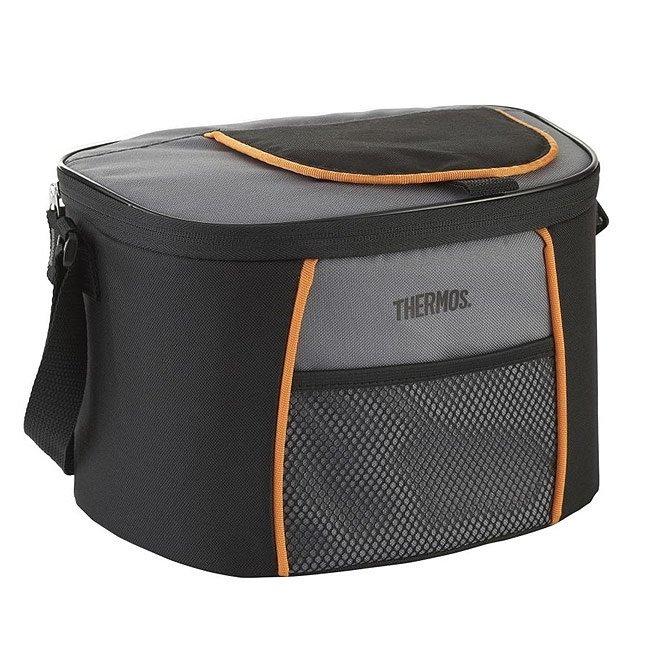 Сумка-холодильник Thermos E5 6 Can Cooler - Black/GrayСумки-холодильники<br>Компактная сумка-термос Thermos (Термос) E5 6 Can Cooler - Black/Gray отличается современным внешним видом и сохраняет продукты свежими на срок до 12 часов. Удобный верхний кармашек почти полностью расстегивается, что позволяет за считанные мгновенья получить доступ ко всей термической емкости. Внутренняя часть изделия оснащена изоляционным слоем из фольги, который отражает солнечные лучи.<br>Основные достоинства рассматриваемой модели сумки-термоса от Thermos:<br><br>Изолирующий слой позволяет сохранять свежесть и температуру продуктов.<br>Внешняя ткань устойчива к загрязнениям и легка в уходе, внутренняя поверхность гигиенична и непромокаема.<br>Застежка молния создает необходимые условия для изоляции.<br>Прочные ручки.<br>Устойчивое дно сумки выполнено из материала, защищающего от пачкающих поверхностей.<br>Удобная молния для быстрого доступа.<br><br>Сумки-термосы от торговой марки Thermos станут для вас отличными спутницами в путешествии или на пикнике, где они просто незаменимы благодаря своим эксплуатационным свойствам и пользовательским характеристикам. Данные аксессуары помимо того, что имеют большое количество дополнительных отделений, карманов для всяких мелочей и косметичку, при хранении удобно складываются.<br><br>Страна: Великобритания<br>Объем, л: 6<br>Мощность, Вт: Нет<br>Питание, В: Нет<br>Темп. max, С: None<br>Темп. min, С: None<br>Габариты ВxШxД, мм: 254x178x178<br>Вес, кг: 1<br>Гарантия: 6 месяцев<br>Кабель питания: Нет<br>Назначение: Сумкахолодильник