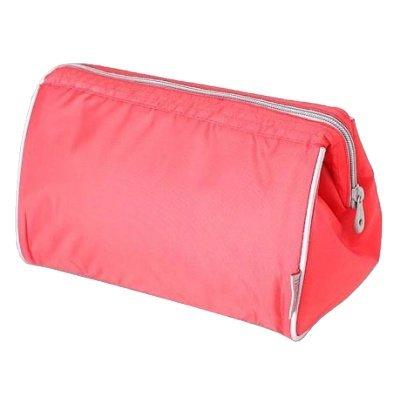 Сумка-термос Thermos Storage kit - RedСумки-холодильники<br>Вместительная термокосметичка &amp;nbsp;Thermos (Термос) Storage kit - Red &amp;mdash; это не только очень полезное, но и максимально стильное изделие, которое можно взять с собой на природу на пикник, в недалекое автомобильное путешествие или даже на длительную прогулку по городу. Представленная сумка имеет максимальную изоляцию и изготовлена из современной ткани, устойчивой к воде и ультрафиолетовым лучам. &amp;nbsp;&amp;nbsp;&amp;nbsp;<br>Основные достоинства рассматриваемой модели сумки-термоса от Thermos:<br><br>Сделано в виде удобной сумки-косметички.<br>Прочный материал изготовления.<br>Внутреннее термоотталкивающее покрытие.<br>Идеальна для хранения косметики, кремов или лекарств.<br>Удобно переносить и хранить.<br>Компактные размеры, небольшой вес.<br>Высокая степень износоустойчивости.<br><br>Сумки-термосы от торговой марки Thermos станут для вас отличными спутницами в путешествии или на пикнике, где они просто незаменимы благодаря своим эксплуатационным свойствам и пользовательским характеристикам. Данные аксессуары помимо того, что имеют большое количество дополнительных отделений, карманов для всяких мелочей и косметичку, при хранении удобно складываются.<br><br>Страна: Великобритания<br>Объем, л: 1.5<br>Мощность, Вт: None<br>Питание, В: Нет<br>Темп. max, С: None<br>Темп. min, С: None<br>Габариты ВxШxД, мм: 190x255x150<br>Вес, кг: 1<br>Гарантия: 1 год<br>Кабель питания: Нет<br>Назначение: Сумкатермос