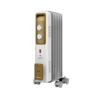 Масляный радиатор Timberk TOR 21.1005 BCX1.0 кВт<br>Модель масляного радиатора Timberk (Тимберк) TOR 21.1005 BCX используется для обогрева помещений с небольшой площадью. Прибор не требует специфического монтажа, так как оснащен специальными роликами, обеспечивающими ему мобильность. Устройство отличается высокой мощностью и выполнено в компактных размерах. Оборудование защищено от перегрева, поэтому безопасно в общей эксплуатации.<br>Преимущества рассматриваемой модели масляного радиатора серии Timberk TOR 21:<br><br>Классический тип секций и элегантный дизайн, адаптированная высота<br>Серия включает модели с 5, 7, 9, 11 секциями мощностью от 1000 до 2500 Вт<br>Колесики для перемещения и устройство для намотки сетевого шнура<br>Три ступени мощности нагрева<br>Встроенный регулируемый термостат<br>Световой индикатор работы<br>Механизм защиты от перегрева и замерзания<br>Технология STEEL SAFETY   исключает проблему утечки масла и гарантирует высочайшую надежность маслонаполненных радиаторов<br><br>Масляные обогреватели Timberk серии TOR 21 выполнены в эргономичном дизайне и отличаются компактными размерами. Приборы могут успешно функционировать в трех ступенях мощности, которые пользователь регулирует с помощью специальных рычагов на боковой части корпуса. Устройства работают бесшумно и не выжигают кислород из воздуха, поэтому подходят для частого использования.<br> <br><br>Страна: Швеция<br>Мощность, Вт: 1000<br>Площадь, м?: 10<br>Колво секций: 5<br>Напряжение, В: 220 В<br>Вес, кг: 5<br>Гарантия: 1 год