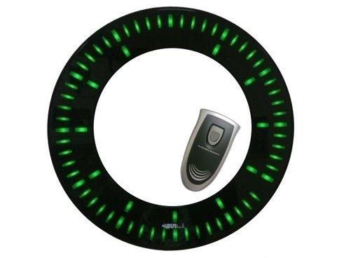 Часы без проекции Uniel BV-101GKЧасы без проекции<br>Компания UNIEL  представляет новинку: стильные настенные часы BV-101GK, которые сочетают в себе оригинальный дизайн и удобство использования с демократичной ценой. Благодаря стильному облику такие часы смогут органично вписаться в современный интерьер, став его неотъемлемой частью. Циферблат представляет собой дисплей с приятной зеленой подсветкой, которая гармонирует с черной глянцевой поверхностью корпуса. Для управления предусмотрен дистанционный пульт с интуитивно понятным интерфейсом.<br>Основные преимущества использования рассматриваемой модели настенных часов от торговой марки UNIEL:<br><br>Новинка сезона!<br>Стильный эргономичный дизайн.<br>Настенные часы с адапетром и пультом управления.<br>Светодиодный дисплей.<br>Пульт дистанционного управления.<br>Питание: 220В <br><br>Подбираете настенные часы? Обратите внимание на линейку таких устройств от компании UNIEL. Настенные часы от этого бренда сразу бросаются в глаза своим дизайном: их облик   это строгая геометрия, которая сочетает в себе эргономичность и неизменный стиль, приправлена нотками минимализма и смягчена приятной светодиодной подсветкой. Модельный ряд серии достаточно широк: здесь покупатели найдут и устройства, которые показывают только время, и гаджеты с дополнительным функционалом, таким как индикация температуры внутри помещения.<br><br>Страна: Китай<br>Питание, В: 220 В<br>Тип батарейки: None<br>Колво батареек: None<br>Адаптер к 220В: Есть<br>С будильником: Нет<br>Радиодатчик: None<br>С метеостанцией: None<br>В помещении t, С: Нет<br>За окном t, С: Нет<br>Влажность в помещении: Нет<br>Влажность за окном: Нет<br>Давление: Нет<br>Прогноз погоды: Нет<br>Габариты, мм: 330х330х28<br>Вес, кг: 1<br>Гарантия: 1 год<br>Ширина мм: 330<br>Высота мм: 330<br>Глубина мм: 28