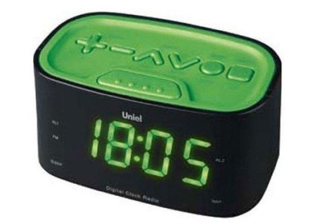 Часы без проекции Uniel UTR-33GGKЧасы без проекции<br>UTR-33GGK &amp;ndash; это новая модель настольных часов с радиобудильником от торговой марки UNIEL. Вы цените надежность, качество и простоту? Тогда представленный гаджет станет прекрасным приобретением. Устройство оснащено большим индикатором времени, будильник с функцией откладывания сигнала, а также радиоприемником. Дизайн часов &amp;ndash; лаконичный, немного смягченный скругленными углами и освеженный сочными зелеными панелями.<br>Основные преимущества использования рассматриваемой модели электронных часов с радио от торговой марки UNIEL:<br><br>Стильный эргономичный дизайн.<br>Компактные размеры конструкции.<br>Часы.<br>Будильник с отложенным сигналом.<br>Удобная панель настройки.<br>Цифровой радиоприемник.<br>Большие цифры.<br>Работает от адаптера.<br>Высокое качество и комфорт в управлении.<br><br>Торговая марка UNIEL &amp;ndash; это прекрасно себя зарекомендовавший, надежный партнер и поставщик качественного оборудования. Компания разработала семейство современных удобных часов, оснащенных радиоприемником. Помимо индикатора точного времени эти гаджеты оборудованы будильниками, которые могут в качестве звукового сигнала использовать любую радиостанцию. Более того, практически все модели имеют память на несколько радиостанций. Также стоит отметить, что устройства выполнены в стильном современном дизайне, который сможет органично вписаться в интерьерное решение и гостиной, и спальни.<br><br>Страна: Китай<br>Питание, В: Сеть/Бат.<br>Тип батарейки: ААА<br>Колво батареек: 2<br>Адаптер к 220В: Есть<br>С будильником: Да<br>Радиодатчик: Да<br>С метеостанцией: None<br>В помещении t, С: Нет<br>За окном t, С: Нет<br>Влажность в помещении: Нет<br>Влажность за окном: Нет<br>Давление: Нет<br>Прогноз погоды: Нет<br>Габариты, мм: None<br>Вес, кг: 1<br>Гарантия: 1 год