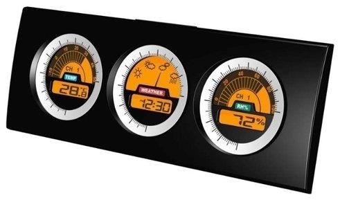 Проекционные часы Uniel UTV-67Часы без проекции<br>Настольная метеостанция с беспроводным датчиком UTV-67 от бренда UNIEL всегда покажет актуальную информацию о текущих погодных условиях. Датчик действует на расстоянии до тридцати метров, и измеряет не только температуру, но и влажность. Помимо этого, гаджет также определяет температуру внутри помещения, оснащен часам. Работает от бытовой розетки, а сетевой адаптер предусмотрен в комплекте поставки.<br>Основные преимущества использования рассматриваемой модели домашней метеостанции от торговой марки UNIEL:<br><br>Стильный эргономичный дизайн.<br>Компактные размеры конструкции.<br>Метеостанция с беспроводным датчиком.<br>Беспроводной датчик (удаленность до 30 м).<br>Измерение комнатной и уличной температуры (до -20 град, сам датчик измеряет до -50).<br>Измерение влажности.<br>Показ погоды стрелкой, часы. <br>Сетевой адаптер 230В.<br>Высокое качество и комфорт в управлении.<br><br>Бренд UNIEL   поставщик качественного и надежного оборудования   разработал семейство настольных метеостанций в компактном корпусе. Эти гаджеты станут прекрасным выбором для метеозависимых людей: устройства не просто показывают температуру за окном, а могут прогнозировать погоду, информировать об уровне относительной влажности и даже атмосферном давлении, возможном гололеде и зоне комфортности. Все модели оснащены большими дисплеями, а многие из них еще и анимацией. Также стоит отметить, что все метеостанции имеют индикатор точного времени и будильник.<br><br>Страна: Китай<br>Питание, В: Сеть/Бат.<br>Тип батарейки: ААА<br>Колво батареек: 2<br>Адаптер к 220В: Есть<br>С будильником: Нет<br>Радиодатчик: None<br>С метеостанцией: Да<br>В помещении t, С: Да<br>За окном t, С: Да<br>Влажность в помещении: Да<br>Влажность за окном: Нет<br>Давление: Нет<br>Прогноз погоды: Да<br>Габариты, мм: 249x90x29<br>Вес, кг: 1<br>Гарантия: 1 год<br>Ширина мм: 90<br>Высота мм: 249<br>Глубина мм: 29