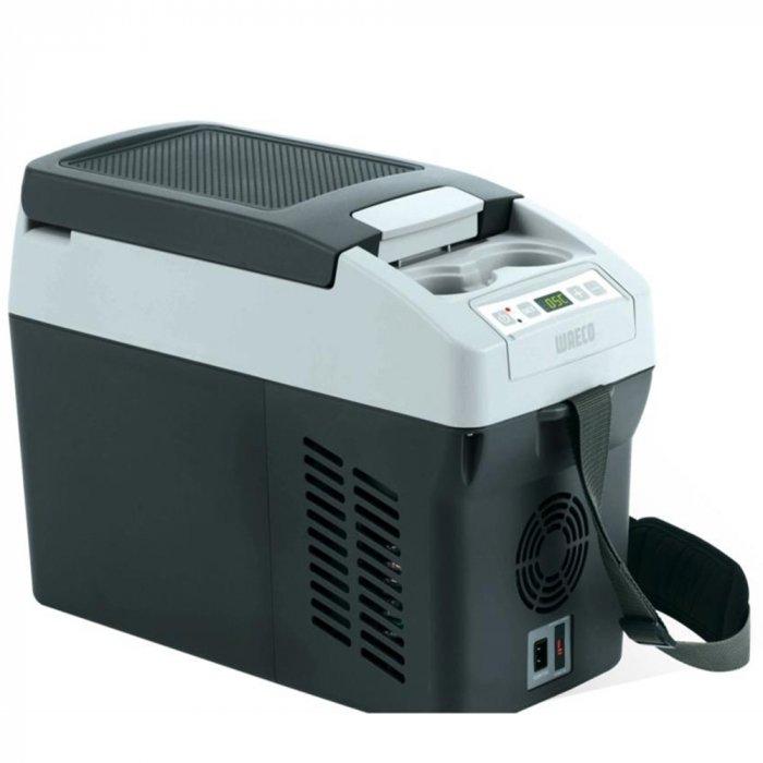 Компрессорный автохолодильник Waeco-Dometic CoolFreeze CDF-11до 30 литров<br>Компрессорные холодильники WAECO CoolFreeze CDF-11. Самый маленький и компактный из всего модельного ряда. Для удобства предусмотрен ремень, который многофункционален, его можно укоротить и использовать как ручку, или сделать длиннее, что позволит накинуть его на плечо. Эффективно работает в диапазоне от +10 до   18 градусов, а температура окружающей среды никак не повлияет на производительность.<br>Отличительные особенности комплектации и преимущества представленной модели:<br><br>Удобная индивидуальная настройка температуры<br>Мощный компрессор<br>Экологически чистая изоляция из пенополиуретана без выделения фреона<br>Встроена электроника<br>Защита от низкого напряжения<br>Защита от обратной полярности<br>Встроен электронный предохранитель<br>Полноценно функционирует от солнечных батарей<br>Сохранение последних настроек<br>Удобство при транспортировке<br>Превосходная устойчивость к погодным условиям и попадания влаги<br>Экономичный режим работы<br><br>Рассматриваемая модель имеет привлекательный внешний вид, небольшие габаритные размеры и невысокую стоимость, что делает прибор популярным среди пользователей. Корпус изготавливается из облегченного пластика, которому свойственна высокая степень износостойкости и ударопрочности, и минимизирован риск возникновения механических повреждений. Производитель сделал холодильник максимально универсальным для эксплуатации в разных условиях. Легкий портативный прибор имеет специальную электронику и удобное питание от сети постоянного или переменного тока. Представленный автохолодильник отлично сочетает в себе высокую производительность и необходимую комплектацию. Главной отличительной особенностью является эффективное поддержание и обеспечение оптимальных условий для охлаждения напитков и сохранения качества продуктов питания, независимо от температурного режима окружающей среды. Удобная панель управления позволит индивидуально запрограммировать темпе