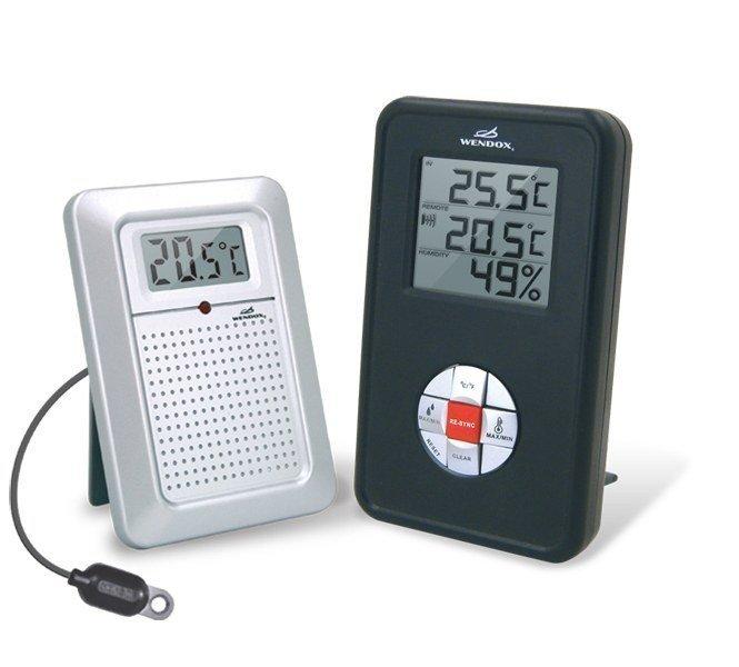 Цифровой термогигрометр Wendox W4580 BlackС радиодатчиком<br>Комнатный цифровой&amp;nbsp;&amp;nbsp;&amp;nbsp;&amp;nbsp;&amp;nbsp;&amp;nbsp;&amp;nbsp;&amp;nbsp;&amp;nbsp;&amp;nbsp;&amp;nbsp;&amp;nbsp;&amp;nbsp;&amp;nbsp;&amp;nbsp; термометр гигрометр W4580 Black комплектуется выносным радиодатчиком серии W6729, именно он измеряет температуру наружного воздуха и передает сигнал блоку. Внутри помещения помимо температуры регистрируются значения относительной влажности &amp;ndash; важный параметр воздуха, что поможет быстро узнать пользователю. Если воздух в помещении стал слишком сухой.<br><br>Страна: Великобритания<br>Питание, В: Батарейки<br>Диапазон  t, С: 50+70<br>Тип батарейки: АА<br>Колво батареек: 2<br>Габариты, мм: 105х75х130<br>Вес, кг: 1<br>Гарантия: 1 год<br>Назначение: Для помещений<br>Ширина мм: 75<br>Высота мм: 105<br>Глубина мм: 130