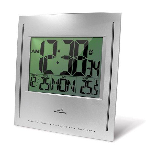 Часы без проекции Wendox W7B6B-SЧасы без проекции<br>Установив электронные часы Wendox в помещении, Вы получите также дополнительный прибор для измерения окружающей температуры &amp;ndash; модель W7B6B-S имеет встроенный термометр воздуха. Все электронные часы Wendox оснащены календарём, особенностью данной модели является автоматическая подсветка в ночное время.<br>Основные возможности электронных часов Wendox W7B6B-S:<br><br>Электронные часы с возможность измерения температуры окружающего воздуха;<br>Стильный дизайн, влагозащищенный корпус;<br>Размер дисплея &amp;nbsp;168 х 126, высота цифр 81 мм;<br>Часы измеряют температуру внутри помещения, и выводят показания в градусах Цельсия или градусах Фаренгейта;<br>Предел измерения температуры составляет +50 С;<br>Настройка формата отображения времени;<br>Календарь;<br>Часы-термометр работают от обычных батареек (входят в комплект);<br>Часы вешаются на стену, но быть установлены и на любую горизонтальную поверхность;<br>Значения на часах видны даже в темное время суток благодаря наличию постоянной подсветки.<br><br><br>Страна: Великобритания<br>Питание, В: Батарейки<br>Тип батарейки: СLR<br>Колво батареек: 2<br>Адаптер к 220В: Нет<br>С будильником: Нет<br>Радиодатчик: None<br>С метеостанцией: None<br>В помещении t, С: Да<br>За окном t, С: Нет<br>Влажность в помещении: Нет<br>Влажность за окном: Нет<br>Давление: Нет<br>Прогноз погоды: Нет<br>Габариты, мм: 245х40х280<br>Вес, кг: 1<br>Гарантия: 1 год<br>Ширина мм: 40<br>Высота мм: 245<br>Глубина мм: 280