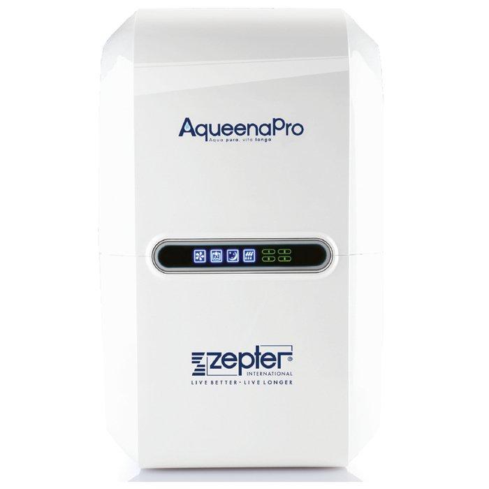 Фильтр для воды Zepter AqueenaPro WT-100Под мойку<br>Zepter AqueenaPro WT-100 &amp;ndash; это инновационное и высокотехнологичное фильтрующее устройство для очищения питьевой воды, разработанное специально для использования в современных городских условиях. Данная система оснащена передовым управлением, имеет отличную защиту от протекания и поломок, а также автоматически следит за состоянием встроенных фильтров.<br>Особенности и преимущества системы очистки питьевой воды Zepter AqueenaPro:<br><br>Большой объем получаемой очищенной воды (42%).<br>Герметичный встроенный резервуар (9,5л).<br>Новое поколение фильтров.<br>Индикатор статуса фильтров, указывающий на время их замены.<br>Интеллектуальный дисплей.<br>Компьютеризированный блок управления автоматически контролирует и регулирует рабочий процесс AqueenaPro.<br>Мембрана обратного осмоса нового поколения установлена с футляром, защищающим её от повреждений.<br>Датчик защиты от протечек выявляет возникающие протечки, защищает и предотвращает возможное затопление.<br>Высоконапорный насос стабилизирует рабочие условия для мембраны обратного осмоса, обеспечивая качественную очистку воды.<br>Совмещенный электромагнитный клапан автоматически промывает мембрану обратного осмоса и контролирует поток сточной воды.<br>Клапан контроля направления потока предотвращает обратный поток воды.<br>Экологичный дизайн &amp;ndash; потребляет малое количество энергии.<br><br>Вода &amp;ndash; это один из главных элементов нашего организма. С ее помощью поставляется кислород, растворяют вещества, осуществляется терморегуляция. Вода важна для умственной деятельности, для метаболизма, для укрепления иммунитета и поддержания хорошей физической формы. Именно поэтому так важно, чтобы вода была надлежащего качества. Системы водоочистки от компании Zepter обеспечат вас необходимым количеством чистой воды в любое время.<br><br>Страна: Швейцария<br>Колво степеней очистки: 5<br>Фильтрация, л/м.: 0,26<br>Емкость, л: 9,5<br>Минерализатор: None<br>Умя
