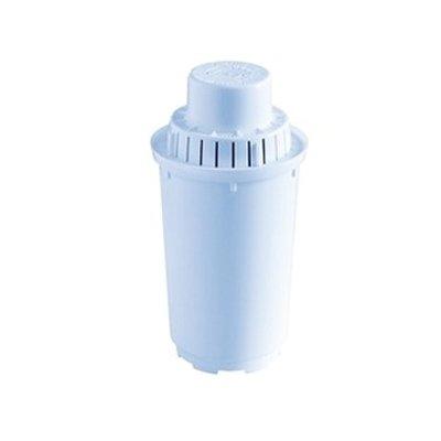 Фильтр для воды Аквафор В100-7Аксессуары<br>Для владельцев устаревших моделей фильтр-кувшинов Аквафор (Престиж, Гарри, Норд, Гратис и другие), а также аналогичных изделий от зарубежных производителей, предлагаем обратить внимание на эффективный модуль очистки воды   В100-7. С таким картриджем, оснащенным веществом Аквален,  ваш кувшин удалит из воды все вредные примеси, включая тяжелые металлы, хлор и другие органические соединения, и нерастворимые примеси. <br><br>Страна: Россия<br>Удаление ржавчины: Да<br>Удаление хлора: Да<br>Удаление сероводорода: Да<br>Удаление пестицидов: Да<br>Удаление тяжелых металлов: Да<br>Удаление фенола: Да<br>Вес, кг: 1<br>Гарантия: 1 год