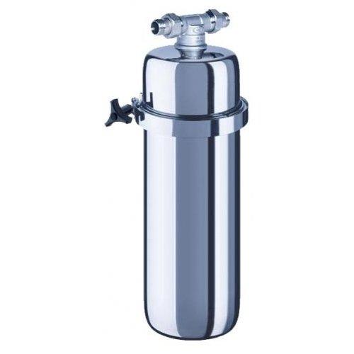 Фильтр для воды Аквафор ВикингМагистральные<br>Современная универсальная система очистки воды Аквафор Викинг встраивается в водопровод холодной или горячей воды на входе в квартиру, делая всю поступающую воду безупречно чистой. Фильтр надежно удаляет из воды ржавчину, органические вещества, ионы тяжелых металлов и активный хлор. Благодаря высокой производительности и большому ресурсу Аквафор Викинг может использоваться не только в городских квартирах и загородных коттеджах, но и в детских садах, школах и кафе   в любом месте, где нужно получить много действительно чистой воды.<br> Компания Аквафор   пожалуй, известнейший отечественный производитель фильтрующих систем для воды. Бренд динамично развивается, уже долгие годы находится на российском рынке и успел зарекомендовать себя в качестве надежного партнера. Магистральные фильтры от этой торговой марки   неизменно высокоэффективные, долговечные и удобные. Такие водоочистители устанавливаются непосредственно в магистраль водопровода, обычно при входе в дом или квартиру, тем самым обеспечивая предварительную очистку воды. Что благоприятно сказывается не только на здоровье человека и на работоспособности бытовых приборов и сантехнических изделий. Ассортимент Магистральных фильтров под брендом Аквафор невероятно широк. Поэтому каждый покупатель сможет подобрать максимально подходящую модель.<br><br>Страна: Россия<br>Колво степеней очистки: 1<br>Фильтрация, л/м.: 25,0<br>Емкость, л: None<br>Раб. давление, атм: 6,3<br>Раб. температура, С: до +40<br>Умягчение: None<br>Минерализатор: None<br>Очистка от хлора: None<br>Очистка от тяжелых металлов: None<br>Очистка от ржавчины: Есть<br>Очистка от пестицидов: None<br>Очистка от фенола: None<br>Габариты, мм: 595x180x180<br>Вес, кг: 4<br>Гарантия: 1 год<br>Ширина мм: 180<br>Высота мм: 595<br>Глубина мм: 180