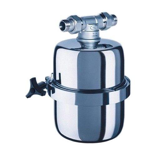 Фильтр для воды Аквафор Викинг МИНИМагистральные<br>Компактный водоочиститель магистрального типа Аквафор Викинг Мини избавит воду от механических и химических примесей, значительно улучшит ее вкус. Среди преимуществ представленной модели стоит выделить высокую скорость очистки, легкость установки благодаря быстроразъемным соединениям, а также большой ресурс работы фильтрующего модуля. Пожалуй, это одна из лучших моделей в своем сегменте.<br>Компания Аквафор   пожалуй, известнейший отечественный производитель фильтрующих систем для воды. Бренд динамично развивается, уже долгие годы находится на российском рынке и успел зарекомендовать себя в качестве надежного партнера. Магистральные фильтры от этой торговой марки   неизменно высокоэффективные, долговечные и удобные. Такие водоочистители устанавливаются непосредственно в магистраль водопровода, обычно при входе в дом или квартиру, тем самым обеспечивая предварительную очистку воды. Что благоприятно сказывается не только на здоровье человека и на работоспособности бытовых приборов и сантехнических изделий. Ассортимент Магистральных фильтров под брендом Аквафор невероятно широк. Поэтому каждый покупатель сможет подобрать максимально подходящую модель.<br><br>Страна: Россия<br>Колво степеней очистки: 1<br>Фильтрация, л/м.: 10,0<br>Емкость, л: None<br>Раб. давление, атм: 6,3<br>Раб. температура, С: до +40<br>Умягчение: None<br>Минерализатор: None<br>Очистка от хлора: None<br>Очистка от тяжелых металлов: None<br>Очистка от ржавчины: Есть<br>Очистка от пестицидов: None<br>Очистка от фенола: None<br>Габариты, мм: 225х180х180<br>Вес, кг: 3<br>Гарантия: 1 год<br>Ширина мм: 180<br>Высота мм: 225<br>Глубина мм: 180