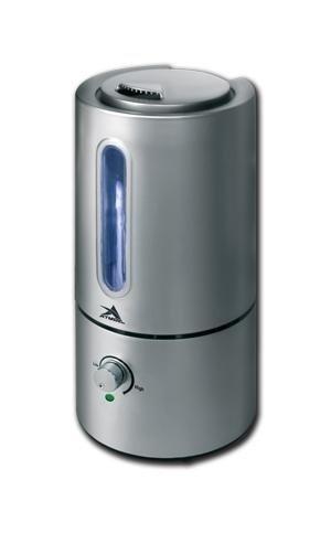 Увлажнитель воздуха Атмос 2610Ультразвуковые<br> <br>Увлажнитель воздуха Атмос-2610 с помощью ультразвука распыляет воду по помещению. Этот метод обеспечивает низкое электропотребление и бесшумность устройства, а также его большую мощность. Прибор может эффективно увлажнять помещения площадью от 30 до 35 м2. Интенсивность и уровень увлажнения регулируются одной кнопкой. Если вода в резервуаре прибора заканчивается, он автоматически отключается.<br>Принцип работы ультразвукового увлажнителя<br>Работа прибора заключается в эффективном увеличении и регулировании относительной влажности в помещении. Также устройство обеспечивает снижение или даже устранение электростатических зарядов. Самый простой и эффективный способ быстро создать комфортный микроклимат в помещении   это ультразвуковое увлажнение. Аппарат с помощью УФ-мембраны разбивает воду на самые мелкие частицы, которые распыляются вентилятором в виде тумана. Таким образом обеспечивается равномерное распределение влаги по помещению, что способствует качественному увлажнению воздуха.<br>Увлажнитель воздуха Атмос-2610 имеет следующие особенности:<br><br>Мелкодисперсное аэрозольное распыление воды<br>Плавная регулировка выделения влаги<br>Форсунка, движущаяся вокруг своей оси<br>Автоматическое отключение при отсутствии воды<br>Малое энергопотребление<br>Низкий уровень шума<br>Эргономичный дизайн<br>Ионизация воздуха<br><br> <br>Функция регулировки производительности позволяет осуществлять настройку продуктивности холодного пара, который вырабатывается увлажнителем. Таким образом вы сможете подбирать подходящую производительность в соответствии с условиями микроклимата в вашем помещении.<br><br>Благодаря функции автоматического выключения вам не придется следить за прибором, потому что, если уровень воды дойдет до критического уровня, увлажнитель самостоятельно отключится.<br>Устройство оборудовано удобным и многофункциональным фильтром для очистки и смягчения воды, который прослужит вам долго-долго.<br>Правильная ус