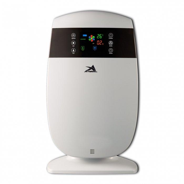 Очиститель воздуха Атмос МАКСИ-205Cо сменными фильтрами<br>Очиститель воздуха Атмос МАКСИ-205 может быть установлен в квартире или офисе, благодаря эргономичному дизайну конструкции, он быстро впишется в общий интерьер. Оборудование считается многофункциональным, ведь не только очищает воздух, но и ионизирует его. Легкая эксплуатация устройства позволяет пользователю быстро настроить оптимальный режим работы.<br><br>Главные достоинства рассматриваемого оборудования от бренда Атмос:<br><br>первичный фильтр (задерживает крупные пылевые частицы, пух, волосы, шерсть животных);<br>HEPA фильтр (удерживает до 99% частиц размером до 0,3 микрона: мелкодисперсную пыль, аллергены, споры растений, цветочную пыльцу, клеща домашней пыли и продукты его     жизнедеятельности);<br>антибактериальный фильтр (обеззараживает воздух от микробов, осуществляет антибактериальную, противогрибковую и антивирусную очистку воздуха, задерживает пылевые частицы);<br>формальдегидный фильтр (способен на 98% ликвидировать формальдегиды, выделяемые мебельными деревянными изделиями, напольными покрытиями, лаками и красками. Формальдегид крайне опасен для дыхательных путей человека);<br>cold catalyst фильтр (очищает воздух от большинства вредных примесей, в том числе от вирусов и газовых загрязнений);<br>угольный фильтр (поглощает молекулы летучих и полулетучих соединений - вредных газов, неприятных запахов, табачного дыма и дезодорантов);<br>фотокаталитический фильтр (позволяет разлагать химическим способом на молекулярном уровне вредные токсичные альдегидные и бензольные соединения, окислы азота и другие газы);<br>ультрафиолетовая лампа (осуществляет бактерицидную обработку воздуха длиной волны 254 нм ультрафиолетового спектра, способной эффективно стерилизовать воздух, уничтожая вирусы и бактерии);<br>генератор отрицательных ионов кислорода (ионизирует воздух в рекомендуемой концентрации, делает его бодрящим и живительным).<br><br>Оборудование для увлажнения и очистки воздуха от АТМОС   это идеально