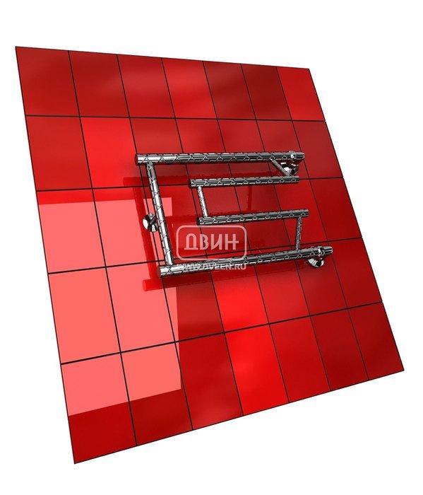 Водяной полотенцесушитель Двин C TWIST (1) 32/80Фокстроты<br>Современный&amp;nbsp;полотенцесушитель Двин C TWIST (1) 32/80&amp;nbsp;предназначен для подвода к нему горячей воды. Таким образом, прибор не берет дополнительную энергию, а использует тепло системы ГВС, что делает его экономичным способом дополнительного обогрева. Кроме того, это очень функциональное изделие, которое поможет быстро просушить белье и другие вещи. Среди прочих преимуществ также стоит отметить, что компания-производитель уделила особое внимание надежности прибора и уверенно заявляет о десятилетнем сроке службы полотенцесушителя.<br>Выберите свой цвет полотенцесушителя:<br>&amp;nbsp;<br>Цена указана за полотенцесушители без цветного покрытия. Для определения стоимости прибора в цвете обратитесь к менеджеру.<br>Обратите внимание! Товар поставляется под заказ. Срок выполнения заказа 10 дней.<br>Особенности и преимущества электрических полотенцесушителей Двин серии C TWIST:<br><br>Полотенцесушители отечественного производства.<br>Пищевая нержавеющая сталь марки AISI 304.<br>Толщина стенки коллектора полотенцесушителя 2 мм.<br>Рабочее давление 8 атмосфер (24,5 атм. макс).<br>Давление при испытании 40 атмосфер.<br>Максимально возможная температура воды 110 С.<br>Тепловая мощность, в зависимости от типоразмера полотенцесушителя, составляет от 130 до 360 Q-Вт.<br>Универсальное подключение: справа и слева.<br>Срок службы более 10 лет.<br><br>Комплектация:<br><br>Полотенцесушитель<br>Упаковка (картонная коробка, полиэтиленовый пакет)<br>Гарантийный талон<br>Паспорт на изделие<br><br>Обратите внимание! Фитинги не входят в комплект поставки! Цену на соединительные элементы уточняйте у менеджера.<br>Полотенцесушители стали непременным атрибутом ванных комнат. Они удобны, не занимают полезное пространство, дополнительно отапливают санузел. Если вы подбираете для себя полотенцесушитель, то обрати внимание на серию C TWIST, разработанную торговой маркой Двин. Семейство представлено моделями разного размера,