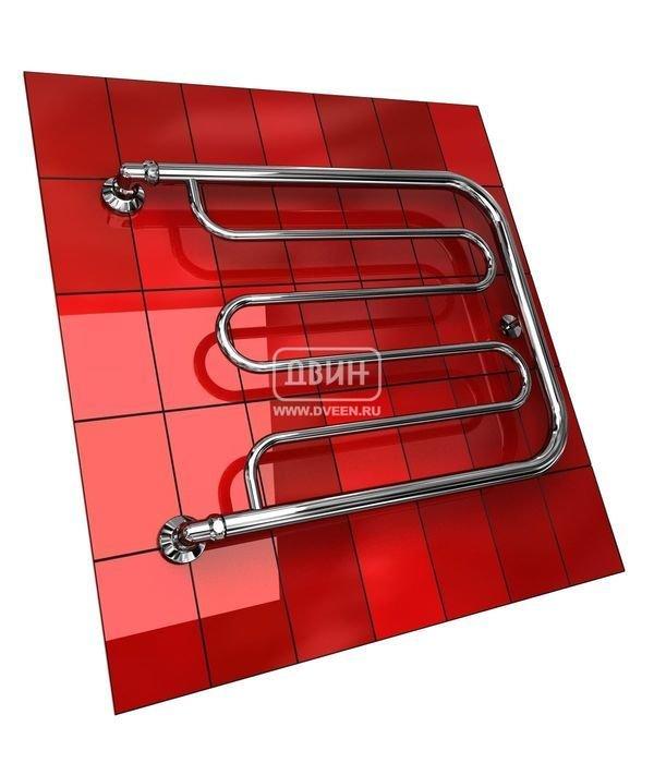 Водяной полотенцесушитель Двин D без полочки (1) 50/40Фокстроты<br>Водяной полотенцесушитель Двин D без полочки (1) 50/40 станет прекрасным выбором для ванной комнаты. Используя тепловую энергию контура ГВС, прибор осуществит дополнительный обогрев помещения и поможет снизить уровень влажности в санузле. Кроме того, конструкция полотенцесушителя позволит разместить на нем для сушки достаточно большое количество вещей и белья. Что делает агрегат очень практичным.<br>Выберите свой цвет полотенцесушителя:<br> <br>Цена указана за полотенцесушители без цветного покрытия. Для определения стоимости прибора в цвете обратитесь к менеджеру.<br>Обратите внимание! Полотенцесушитель поставляется под заказ. Срок выполнения заказа 10 дней.<br>Особенности и преимущества водяных полотенцесушителей Двин серии D без полочки<br><br>Полотенцесушители отечественного производства.<br>Пищевая нержавеющая сталь марки AISI 304.<br>Толщина стенки коллектора полотенцесушителя 2 мм.<br>Рабочее давление 8 атмосфер (24,5 атм. макс).<br>Давление при испытании 40 атмосфер.<br>Максимально возможная температура воды 110 С.<br>Тепловая мощность, в зависимости от типоразмера полотенцесушителя, составляет от 130 до 360 Q-Вт.<br>Универсальное подключение: справа и слева.<br>Срок службы более 10 лет.<br><br>Комплектация:<br><br>Полотенцесушитель<br>Упаковка (картонная коробка, полиэтиленовый пакет)<br>Гарантийный талон<br>Паспорт на изделие<br><br>Обратите внимание! Фитинги не входят в комплект поставки! Цену на соединительные элементы уточняйте у менеджера. <br> D без полочки    это серия полотенцесушителей от отечественного бренда Двин, которые были разработаны с учетом специфики российских эксплуатационных условий. Производитель позаботился об удобстве монтажа прибора и реализовал возможность подключения полотенцесушителей и с правой, и с левой стороны. Монтажные принадлежности не предусмотрены в комплекте поставки, однако вы можете приобрести их отдельно.<br><br>Страна: None<br>Производитель: Россия<b