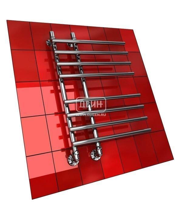 Водяной полотенцесушитель Двин L PRIMO 80/15/55Лесенка<br>Стальная высокопрочная труба стала материалом для изготовления&amp;nbsp;полотенцесушителя Двин L PRIMO 80/15/55. При производстве были применены современные технологии, которые обеспечивают долговечность изделия. А после агрегат был тщательно протестирован и проверен на соответствие международным качественным стандартам.<br>Особенности и преимущества водяных полотенцесушителей Двин серии &amp;nbsp;L PRIMO<br><br>Полотенцесушитель оборудован клапаном Маевского (находится под декоративным колпачком), что позволяет без труда удалить образовавшуюся воздушную пробку<br>Количество перекладин зависит от высоты полотенцесушителя<br>Материал:&amp;nbsp; пищевая нержавеющая сталь марки AISI304<br>Толщина стенки коллектора:&amp;nbsp; 2,0 мм<br>Рабочее давление:&amp;nbsp; 8 атм (24,5 атм max)<br>Давление при испытании:&amp;nbsp; 40 атм<br>Максимально возможная температура воды 110 С<br>Маркировка:&amp;nbsp; Фирменная голограмма и лазерная гравировка номера партии<br>Тепловая мощность, в зависимости от типоразмера полотенцесушителя, составляет до 630 Q-Вт<br>Срок службы:&amp;nbsp; Более 10 лет<br><br>Комплектация:<br><br>полотенцесушитель<br>упаковка (картонная коробка, полиэтиленовый пакет)<br>гарантийный талон<br>паспорт на изделие<br>фитинги:<br><br><br>клапан Маевского &amp;ndash; 2шт.,<br>декоративный колпачек &amp;ndash; 2шт,<br>крепеж телескопический &amp;ndash; 1 шт,<br>уголок гайка/гайка 1/ &amp;frac34; ,<br>отражатель глубокий &amp;frac34; ,<br>эксцентрик &amp;frac34; / &amp;frac12;.<br><br>Выберите свой цвет полотенцесушителя:<br>&amp;nbsp;<br>При заказе в цвете вся фурнитура и краны тоже будут окрашены в цвет.<br>Цена указана за полотенцесушители без цветного покрытия. Для определения стоимости прибора в цвете обратитесь к менеджеру.<br>Обратите внимание! Товар поставляется под заказ. Срок выполнения заказа 10 дней.<br>&amp;laquo;L PRIMO&amp;raquo; &amp;ndash; это &amp;nbsp;еще одно серийное семейство своевреме