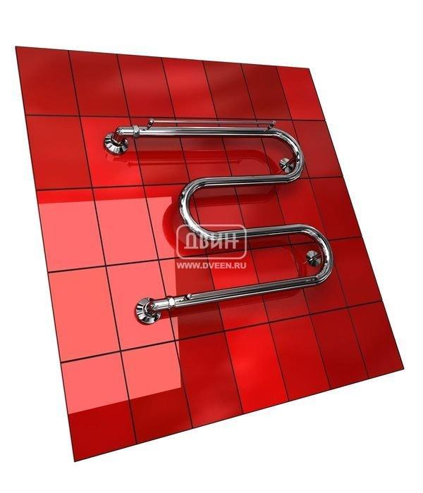 Водяной полотенцесушитель Двин M с полочкой (1) 50/70М-образные<br>Двин M с полочкой (1) 50/70   современный водяной полотенцесушитель М-образной формы, предназначенный для подключения к любым системам горячего водоснабжения. Агрегат изготовлен из прочной нержавеющей стали и способен надежно служить в течение длительного времени, а наличие двух прикрепленных полочек расширяет функционал и увеличивает степень комфорта при использовании представленной модели.<br>Особенности и преимущества классических полотенцесушителей Двин серии  M с полочкой :<br><br>Производятся с учетом особенностей нашей системы горячего водоснабжения и отопления.<br>Пищевая нержавеющая сталь AISI 304.<br>Толщина стенки коллектора 2 мм.<br>Рабочее давление 8 атм. (максимальное давление 24,5 атм.).<br>Давление при испытании 40 атм.<br>Максимально допустимая температура воды 110 С.<br>Тепловая мощность в зависимости от типоразмера полотенцесушителя до 180 Q-Вт.<br>Эксплуатационный срок более 10 лет.<br><br>Комплектация:<br><br>полотенцесушитель,<br>упаковка (картонная коробка, полиэтиленовый пакет),<br>гарантийный талон,<br>паспорт на изделие.<br><br>Обратите внимание! Фитинги НЕ входят в комплект поставки.<br>Выберите свой цвет полотенцесушителя:<br> <br>При заказе полотенцесушителя в цвете и комплекта крепежей фитинги могут быть по желанию покупателя окрашены в тот же цвет.<br>Цена указана за полотенцесушители без цветного покрытия. Для определения стоимости прибора в цвете обратитесь к менеджеру.<br>Обратите внимание! Полотенцесушитель поставляется под заказ. Срок выполнения заказа 10 дней.<br>Водяные полотенцесушители серии  М с полочкой  от известной отечественной компанией Двин, уже успевшей заслужить признание покупателей  за отменное качество и высокую надежность производимых товаров, станут отличным дополнением для вашей ванной комнаты. Стильный современный дизайн моделей серии прекрасно впишет полотенцесушитель в интерьер подобно предмету декора, а использование передовых технологий позв