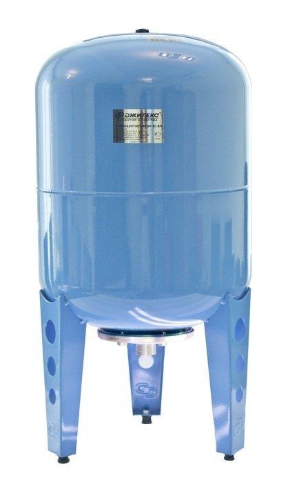 Гидроаккумулятор Джилекс 100 В100 литров<br>Гидроаккумулятор 100 В   элемент системы водоснабжения с насосом, который выполняет несколько функций. Необходимость установки такого оборудования в напорной системе водоснабжения заключается в предохранении системы от гидравлических ударов и увеличении ресурса насосного оборудования.<br>Особенности оборудования 100 В:<br><br>Мембраны, используемые в гидроаккумуляторах, можно заменять;<br>Назначение: накапливание воды под давлением, снижение вероятности гидроударов в системе, обеспечение запаса воды;<br>Предохраняет насосное оборудование от частого включения;<br>Гидроаккумулятор рекомендован для насосов мощностью выше 1000 Вт;<br>Выбор аккумулятора для воды зависит от мощности насоса,<br>Материал мембраны   каучук специального назначения (бутилкаучук);<br>На бак можно устанавливать насос   наличие креплений;<br>2 модификации   с пластиковым и металлическим фланцем;<br>Для вертикальной установки;<br>Предназначен для работы с чистой водой. <br><br>Гидроаккумуляторы выполняют важную роль в системах водоснабжения с электрическими насосами. Насосное оборудование, используемое для подачи воды, бывает различных типов, поэтому учитывая особенности работы насосов, гидроаккумуляторы также имеют различную конструкцию. К примеру, для поверхностных насосов часто используют горизонтальные гидробаки, на которых для удобства установки предусмотрены крепления для насоса. А вот для погружного насосного оборудования требуется больший объем бака, что обуславливается частотой его включения. <br><br>Страна: Россия<br>Производитель: Россия<br>Назначение: Для холодной воды<br>Установка: Вертикальный<br>Объем бака, л: 100<br>Запас воды, л: None<br>Мембрана: Заменяемая<br>Цвет: Голубой<br>Рабочая темп., С: +1 до +35<br>Рабочее давление, бар: 2<br>Max давление, бар: 8<br>Габариты ВхШхГ, см: 840х450<br>Вес, кг: 11<br>Гарантия: 1 год
