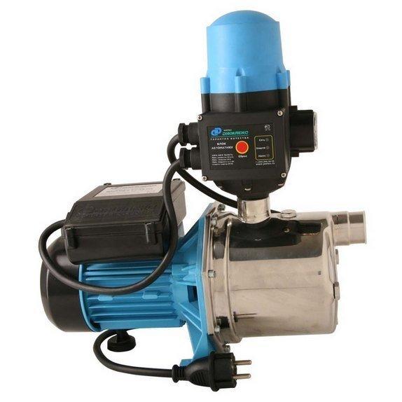 Насосная станция Джилекс ДЖАМБО 60/35 Н-КПоверхностные станции<br>ДЖАМБО 60/35 Н-К   популярная марка центробежных насосов от российской компании Джилекс. Насос-автомат или небольшая насосная станция, позволяющая работать в автоматическом режиме, имеет встроенное управляющее устройство, контролирующее наличие потока воды.<br>Особенности насоса-автомата серии  ДЖАМБО :<br><br>Насос-автомат служит для поддержания необходимого давления в системе;<br>Широкий модельный ряд позволяет оптимально подобрать оборудование к условиям эксплуатации;<br>Устанавливается на поверхности   не погружной;<br>Предназначен для систем водоснабжения с чистой водой;<br>Конструкция насоса позволяет поднимать воду с глубины до 9 метров;<br>Насос-автомат имеет систему автоматического управления по потоку;<br>Корпус центробежного насоса изготовлен из нержавеющей стали, рабочее колесо из пластических материалов, устойчивых к износу;<br>Надежные торцевые уплотнения защищают насос от внешних утечек;<br>Электродвигатель асинхронного типа имеет встроенный вентилятор для охлаждения, стартер защищен термопротектором.<br><br>Насосы-автоматы, производимые компанией Джилекс, различаются по способу управления   данная модель, которая реализована на основе центробежного поверхностного насоса серии Джамбо с индексом  К  имеет управляющее устройство, контролирующее величину и наличие потока. Помимо потока автоматика контролирует давление, и при его снижении включает насос. Насос-автомат с устройством, контролирующим наличие потока, также имеет в комплекте гидробак, аккумулирующий воду и сглаживающий резкие колебания давления. Система водоснабжения с насосом-автоматом   это идеальное решение для загородных домов, вода для которых берется из скважины.<br><br>Страна: Россия<br>Производитель: Россия<br>Производ. л/мин: 60<br>Объем бака, л: None<br>Мощность, Вт: 600<br>Напряжение сети, В: 220 В<br>Max напор, м: 35<br>Рабочая глубина, м: 9<br>Max темп. жидкости, С: +50<br>диаметр подсоединения, дюйм: 1<br>Класс защ