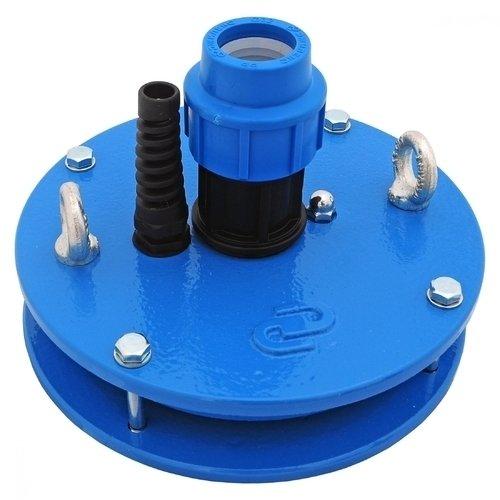 Аксессуары для насосов Джилекс ОС 140-160/32Оголовки для скважин<br>ОС 140-160/32   оборудование для скважин, которое надежно защитит скважину с погружным насосом. Для того чтобы подобрать оголовок нужно знать диаметр обсадной трубы и вес насосного оборудования   данная модель подойдет для глубокой скважины с диаметром наружной трубы до 160 мм и насосом мощностью более 1 кВт.<br>Особенности оборудования для скважин серии ОС 140-160/32 П:<br><br>Крышка оголовка изготавливается из металла;<br>Максимальный вес подвешиваемого груза 500 кг;<br>Предназначен для скважин с диаметром обсадной трубы от 107 мм;<br>Оголовок выполняет защитную функцию   предотвращает от попадания грунтовых вод в скважину и снижает вероятность кражи оборудования;<br>Наличие оголовка увеличивает надежность подвешивания насоса;<br>Наличие рым-болтов позволяет погружать насосное оборудование с помощью грузоподъемных механизмов;<br>Установка оголовка позволяет повысить дебит песчаных скважин;<br>Монтаж оголовка не предусматривает сварочные работы.<br><br>
