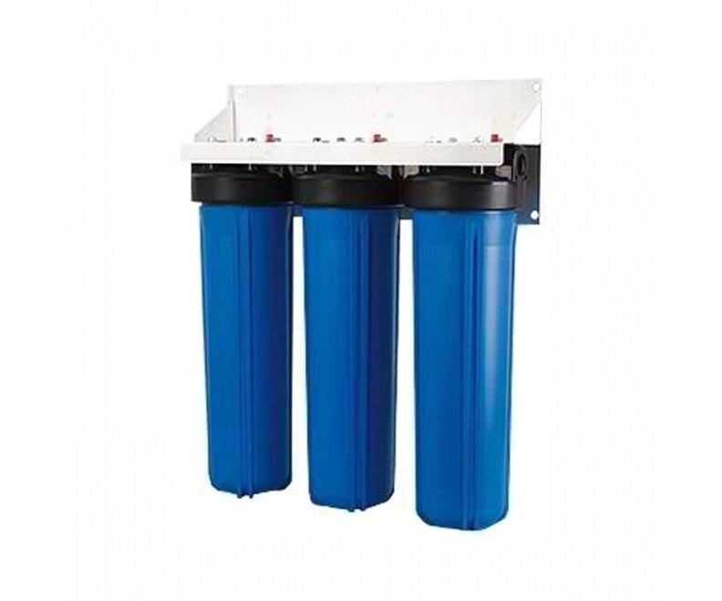 Фильтр для воды Гейзер 3И20BB (БА)Магистральные<br>Высокопроизводительный магистральный фильтр Гейзер 3И20BB (БА) служит для установки на магистраль холодного (работает с водой, температура которой не превышает 40оС) водоснабжения на даче, в доме или в коттедже. Фильтр оснащен двумя манометрами и удобным расходомером. что позволяет контролировать работу и оставшийся ресурс. Также 3И20BB (БА) обеспечивает комбинированную трехступенчатую фильтрацию. На первом этапе эффективный картридж обезжелезивания обеспечивает удаление из воды растворенного железа, марганца, ржавчины и примесей. Вторая ступень &amp;ndash; это производительный и высокоэффективный осадочный картридж. который механически очищает от взвешенных частиц. Третья &amp;ndash; активированный уголь уничтожает органические соединения.<br>Торговая марка Гейзер располагает широким ассортиментом фильтров для воды, встраиваемых в магистраль. На страницах нашего онлайн-каталога посетители смогут найти решения как для холодной, так и горячей воды, для глубокой или механической очистки, умягчающие и неизменно высокоэффективные, производительные, удобные, современные и долговечные. Кроме того, торговая марка Гейзер в своей продукции смогла сочетать все эти преимущества с весьма демократичной ценой, что делает их магистральные фильтры конкурентоспособными и невероятно популярными на российском рынке.<br><br>Страна: Россия<br>Колво степеней очистки: 3<br>Фильтрация, л/м.: 10,0<br>Емкость, л: None<br>Раб. давление, атм: 7<br>Раб. температура, С: +4...+40<br>Умягчение: None<br>Минерализатор: None<br>Очистка от хлора: Есть<br>Очистка от тяжелых металлов: Есть<br>Очистка от ржавчины: Есть<br>Очистка от пестицидов: Есть<br>Очистка от фенола: Есть<br>Габариты, мм: 410x130x600<br>Вес, кг: 10<br>Гарантия: 1 год<br>Ширина мм: 130<br>Высота мм: 410<br>Глубина мм: 600