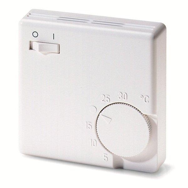 Механический терморегулятор ПИОН Eberle RTR-E 3563Аксессуары<br>Механический терморегулятор Eberle RTR-E 3563 не требователен к месту установки и может корректно и стабильно работать в любых помещениях при самых разных уровнях влажности. Рассматриваемый прибор позволяет настраивать работу обогревательного оборудования и предлагает пользователю установить желаемую температуру в диапазоне от +5 до +35 градусов.<br>Особенности и преимущества терморегулятора:<br><br>Термочувствительный элемент: Биметаллическая пластина<br>Максимально допустимая сила тока (мощность) подключаемых приборов: 16 А (3,5 кВт)<br>Регулируемая температура: от +5 С до +30 С<br>Точность:  1 С<br>Класс защиты: IP30<br>Габаритные размеры: 75 мм x 75 мм x 27,5 мм<br>Масса: ~100 г<br>Гарантия: 12 месяцев<br>Производитель: EBERLE (Германия)<br>Особенности: кнопка Вкл/Выкл<br><br>В нашем интернет-магазине покупатели найдут широкий модельный ряд аксессуаров для инфракрасных обогревателей от компании Пион. Это и кабели для подключения, и кронштейны, которые значительно облегчат процесс монтажа, и терморегуляторы, предназначение которых   сделать эксплуатацию обогревателей максимально комфортной и практичной.<br><br>Страна: Германия<br>Тип установки: Настенная<br>Мощность, кВт: None<br>Габариты, мм: 75x75x27,5<br>Гарантия: 1 год<br>Вес, кг: 1<br>Ширина мм: 75<br>Высота мм: 75<br>Глубина мм: 27.5