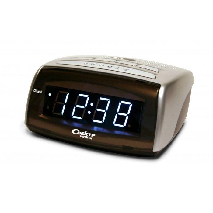 Часы без проекции Спектр СК 0720 С-БЧасы без проекции<br>Сетевые часы электронного типа от надёжной производственной компании Спектр СК 0720 С-Б   это не только очень удобное и комфортное в использовании в бытовых условиях изделие, но и лаконичный аксессуар, который обладает определенными эстетическими преимуществами. Модель имеет современное дизайнерское решение и придется по вкусу всем, кто не равнодушен к интересным и лаконичным электронным устройствам.<br>Основные достоинства рассматриваемой модели настольных часов от компании Спектр:<br><br>Кварцевый механизм высокой точности.<br>Будильник.<br>Автоматическое повторение сигнала будильника (snooze). Если включена функция повтора сигнала будильника, то будильник снова сработает примерно через 8 - 9 минут после отключения. Можно отключить эту функцию.<br>Регулировка яркости индикации. С помощью переключателя можно отрегулировать яркость отображения времени. Положение + - более яркое, положение - - стандартная яркость свечения.<br>Формат времени 24 ч.<br>Питание от сети.<br>Цвет корпуса под дерево с серебристыми вставками.<br>Цвет индикации - зеленый.<br><br>Настольные часы от торговой марки Спектр   это огромная линейка всевозможных современных моделей с различным дизайнерским решением и функционалом, которые могут заинтересовать самую разную аудиторию. Модели от данного производителя отличаются высоким качеством сборки, компактными размерными характеристиками, простой и современностью.<br><br>Страна: Россия<br>Питание, В: Сеть/Бат.<br>Тип батарейки: КРОНА<br>Колво батареек: 1<br>Адаптер к 220В: Есть<br>С будильником: Да<br>Радиодатчик: Нет<br>С метеостанцией: Нет<br>В помещении t, С: Нет<br>За окном t, С: Нет<br>Влажность в помещении: Нет<br>Влажность за окном: Нет<br>Давление: Нет<br>Прогноз погоды: Нет<br>Габариты, мм: 110х100х50<br>Вес, кг: 1<br>Гарантия: 1 год<br>Ширина мм: 100<br>Высота мм: 110<br>Глубина мм: 50