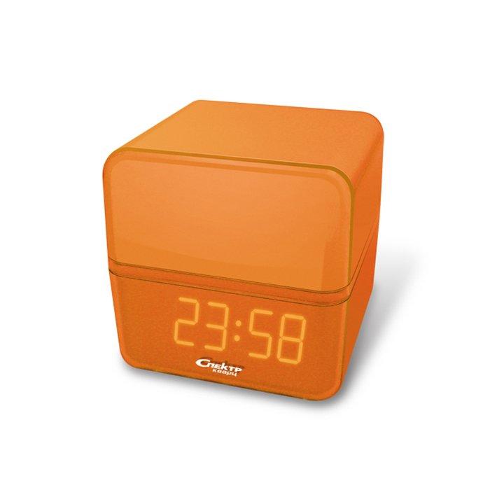 Часы без проекции Спектр СК 0923-О-ОЧасы без проекции<br>Предназначенные для отображения актуальной информации о текущем временном промежутке, часы Спектр СК 0923-О-О   это цифровая настольная модель, которая к тому же оснащена будильником с функцией повторения сигнала через несколько минут. Изделие имеет оригинальное дизайнерское решение и очень яркий цвет, что придется по вкусу людям, которые не терпят скучных вещей.<br>Основные достоинства рассматриваемой модели настольных часов от компании Спектр:<br><br>Кварцевый механизм высокой точности.<br>Будильник.<br>Автоматическое повторение сигнала будильника (snooze). Если включена функция повтора сигнала будильника, то будильник снова сработает примерно через 8 - 9 минут после отключения. Можно отключить эту функцию.<br>Функция ночного светильника.<br>Формат времени 24 ч.<br>Питание от сети или 3*ААА.<br><br>Настольные часы от торговой марки Спектр   это огромная линейка всевозможных современных моделей с различным дизайнерским решением и функционалом, которые могут заинтересовать самую разную аудиторию. Модели от данного производителя отличаются высоким качеством сборки, компактными размерными характеристиками, простой и современностью. <br><br>Страна: Россия<br>Питание, В: Сеть/Бат.<br>Тип батарейки: AAA<br>Колво батареек: 3<br>Адаптер к 220В: Есть<br>С будильником: Да<br>Радиодатчик: Нет<br>С метеостанцией: Нет<br>В помещении t, С: Нет<br>За окном t, С: Нет<br>Влажность в помещении: Нет<br>Влажность за окном: Нет<br>Давление: Нет<br>Прогноз погоды: Нет<br>Габариты, мм: 100x100x100<br>Вес, кг: 1<br>Гарантия: 1 год<br>Ширина мм: 100<br>Высота мм: 100<br>Глубина мм: 100