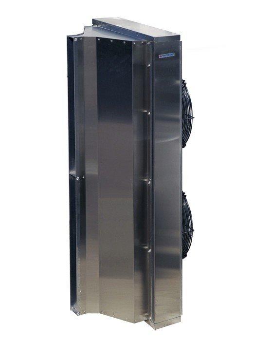 Электрическая тепловая завеса Тепломаш КЭВ-П4060АБез обогрева<br>Для разграничения двух пространств с разной температурой в открытые проемы помещений, где в атмосфере содержится капельная влага, отлично впишется мощная воздушная завеса Тепломаш КЭВ-П4060А, которая имеет высокий класс защиты оболочки  IP54. Данный вид оборудования может без проблем устанавливаться в автомойках, потому что конструкция оснащена брызгозащитным корпусом.<br>Особенности и преимущества воздушных завес Тропик серии IP54:<br><br>Монтаж завес: горизонтальный и вертикальный (при необходимости с обеих сторон проема).<br>Преимущества: благодаря равномерному воздушному потоку эффективно защищают проемы промышленных зданий. Завесы со степенью защиты оболочки IP54 допускается устанавливать для защиты проемов в помещениях с категорией взрывоопасности B-Iб и В-IIа при выполнении требований пункта 7.3.63 ПУЭ.<br>Комплектация: монтажные кронштейны.<br>Управление: подключение и управление завесами осуществляется через Блок коммутации и управления БКУ (опция) (без регулирования теплопроизводительности);<br>Термостат;<br>Три режима расхода воздуха (3 частоты вращения электродвигателя).<br><br>IP54   это семейство воздушных завес от компании Тепломаш, оболочка которая выполнена в соответствии с классом защиты IP54. Такое конструктивно решение дает возможность эксплуатировать агрегаты там, где будут бесполезны аналоги: в помещениях с повышенным уровнем влажности, где на завесы попадают брызги воды, а также во взрывоопасных помещениях категории В-Iб и В-IIа (в обязательном порядке соблюдая требования 7.3.63 ПУЭ). Компания-производитель предусмотрела варианты для любых входных групп, реализовав агрегаты с различной эффективной длиной струи, а также с нагревом   водяным или электрическим   и без него. Завесы Тепломаш в интернет-магазине mircli.ru имеют официальную гарантию и необходимые сертификаты соответствия.<br><br>Страна: Россия<br>Производитель: Россия<br>Тип: Без обогрева<br>Расход воздуха, мsup3;/ч: 64
